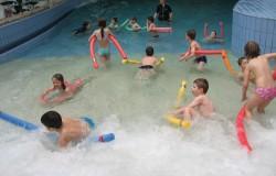Prvošolci na plavanju v Atlantisu